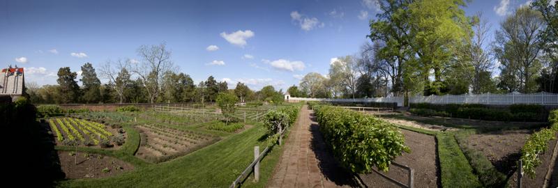 Lower Garden Panorama1-002